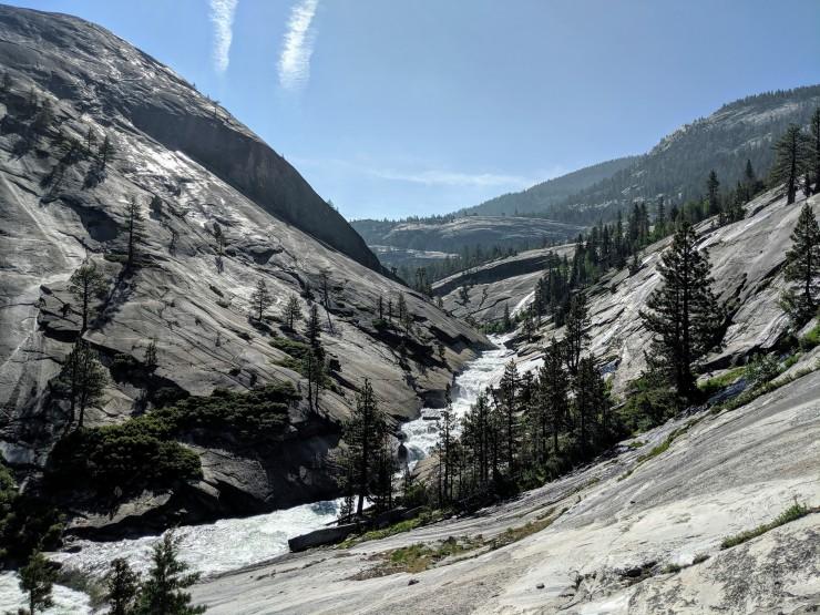 yosemite-backpacking-merced-river-looking-towards-lake
