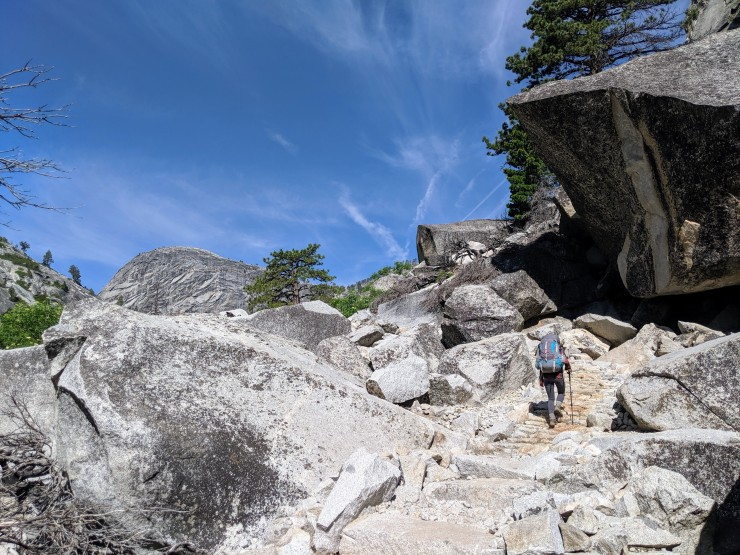 yosemite-backpacking-merced-river-trail-large-boulders