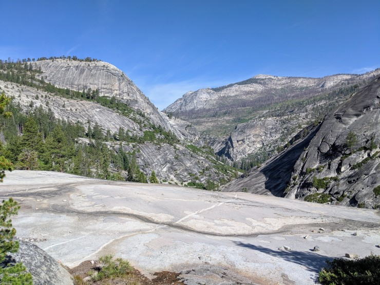 yosemite-backpacking-merced-river-trail-view-towards-lost-valley