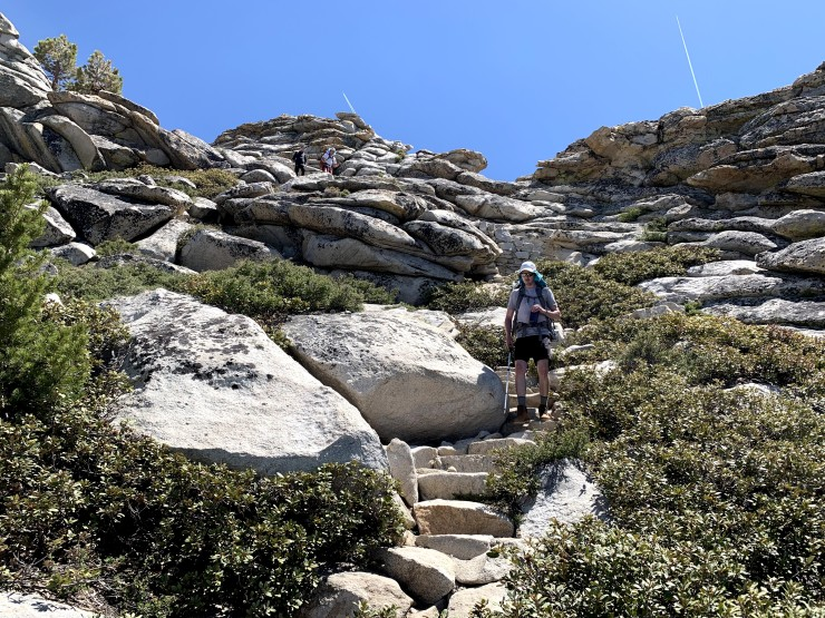 yosemite-backpacking-steep-descent-clouds-rest