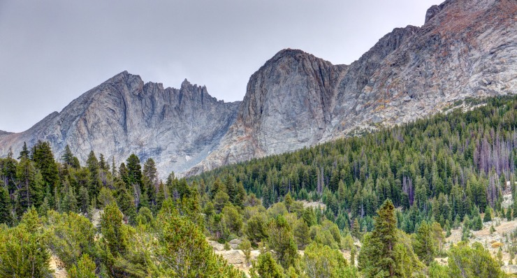 wind-river-cirque-towers-backpacking-1-view-near-skull-lake