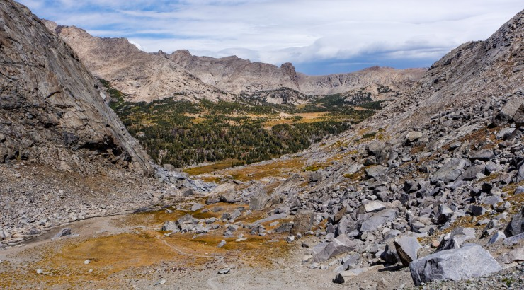 wind-river-cirque-towers-backpacking-12-view-before-hailey-pass