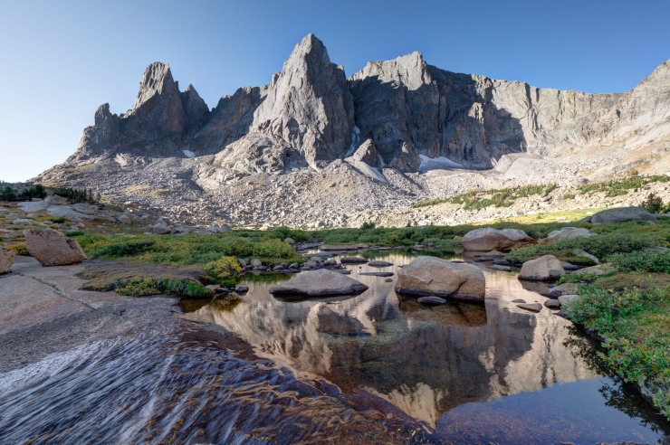 wind-river-cirque-towers-backpacking-15-hidden-lake-outflow-cirque
