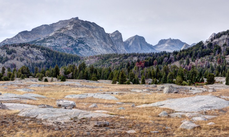 wind-river-cirque-towers-backpacking-3-trail-view