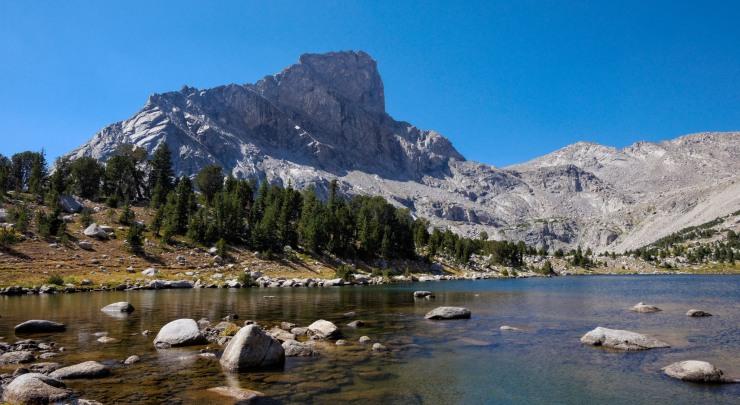 wind-river-cirque-towers-backpacking-4-bear-lake-lizard-head-peak