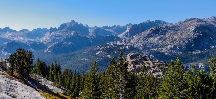 wind-river-cirque-towers-backpacking-6-chess-ridge-from-moss-lake-trail