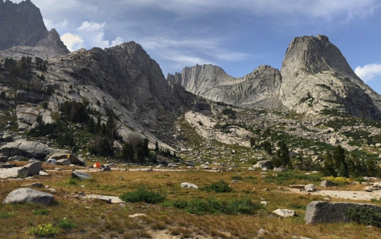 wind-river-cirque-towers-backpacking-lonesome-lake-campsite