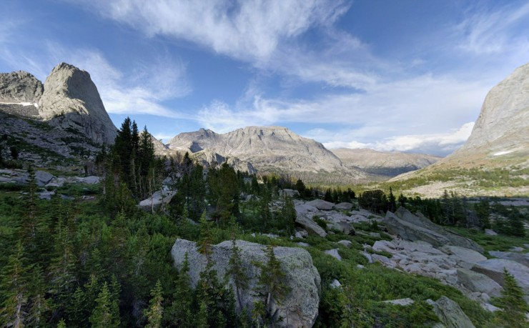 wind-river-cirque-towers-backpacking-lonesome-lake-view