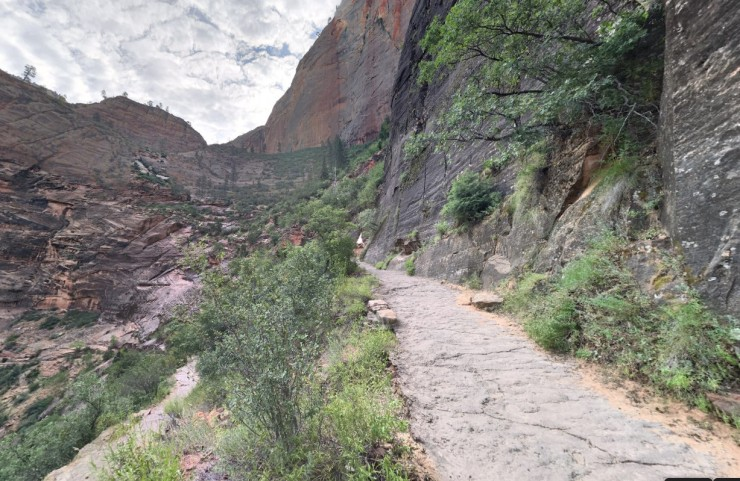 zion-traverse-east-rim-trail-echo-canyon-1