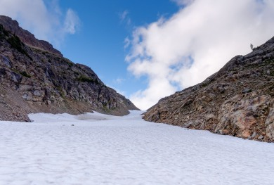 View looking up at the Spider Glacier. You hike over the glacier and reach Spider Gap after ~0.7 miles (credit: John Strother)