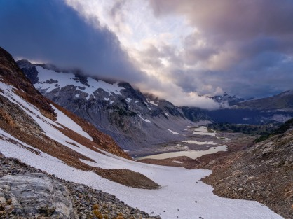 View from Spider Gap looking down at Upper Lyman Lakes. The trail down from the gap to the lakes is undefined (credit: John Strother)