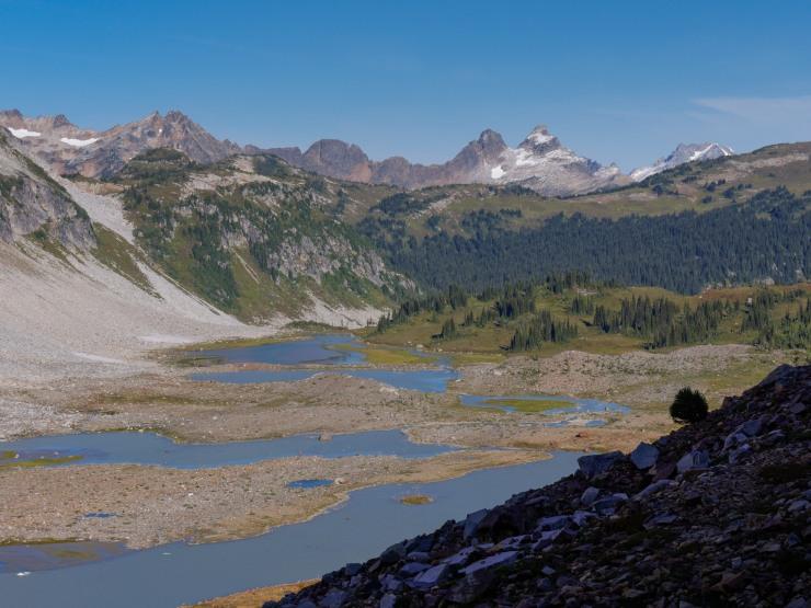glacier-peak-wilderness-15-upper-lyman-lakes-cloudy-peak