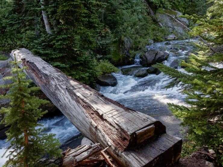 glacier-peak-wilderness-23-bridge-railroad-creek