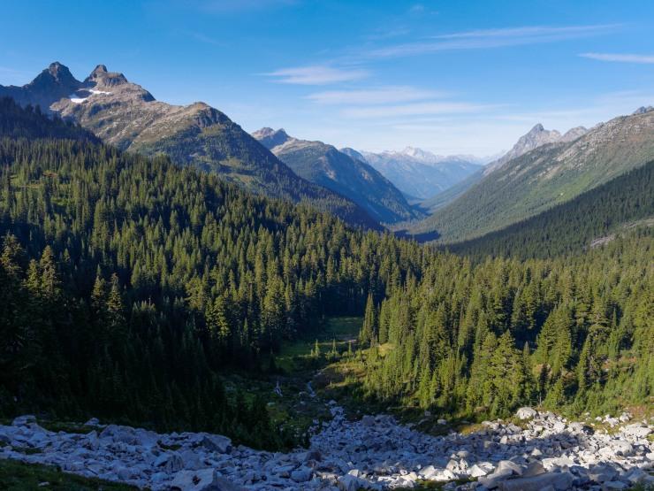 glacier-peak-wilderness-34-agnes-creek-valley-to-north