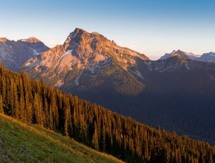 glacier-peak-wilderness-37-fortress-mountain-from-miners-ridge